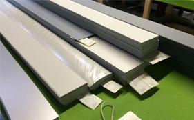 Losse kunststof verticale lamellen zónder rails